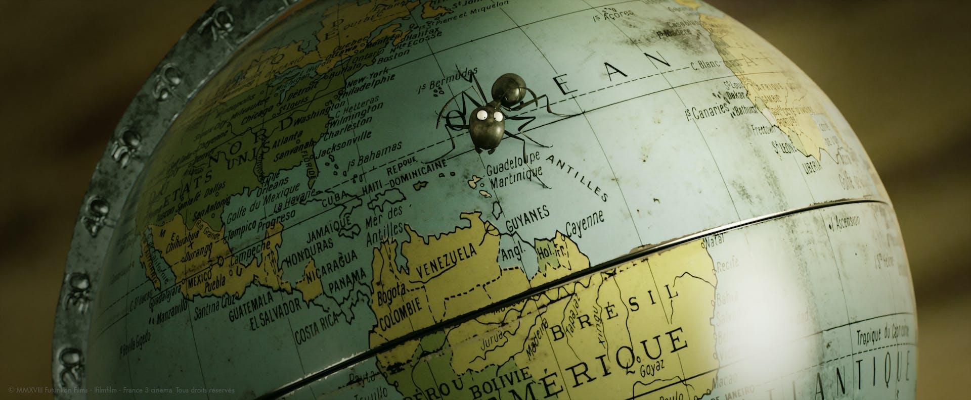 Minuscule: Mandibles from Far Away