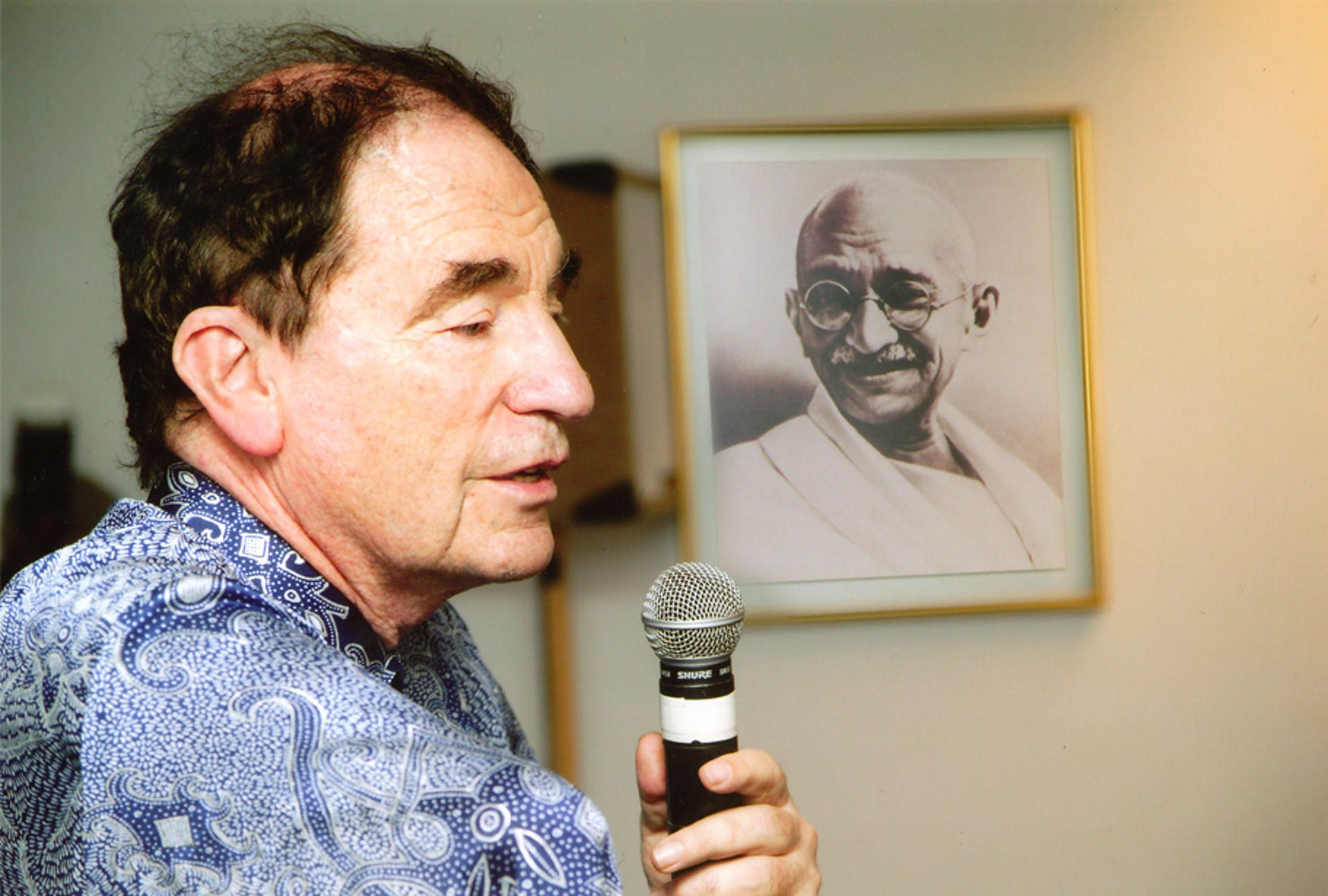 Soft Vengeance: Albie Sachs and the New South Africa